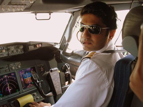 Ấn Độ: Phi công đánh nhau với thợ máy trong buồng lái-1