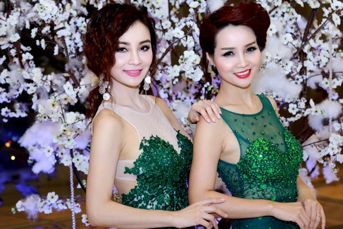 Mai Thu Huyền và chị gái