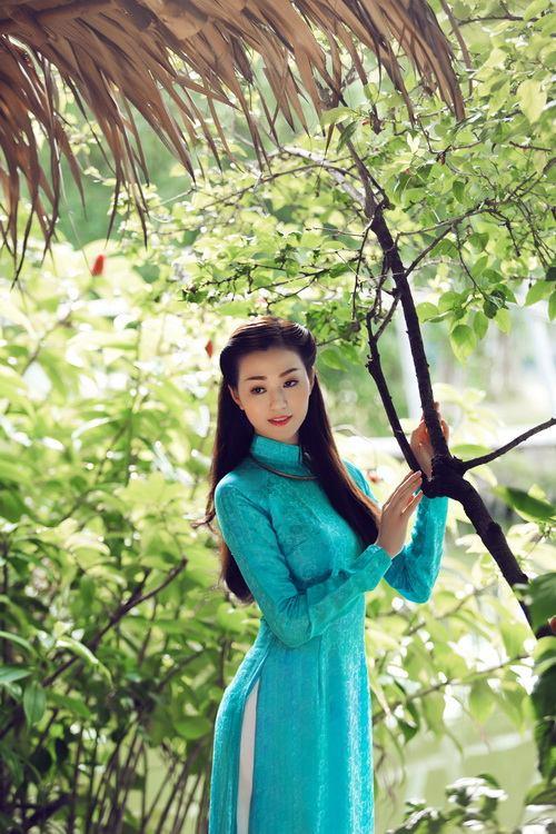 khanh my duyen dang ao dai duoi nang xuan - 8