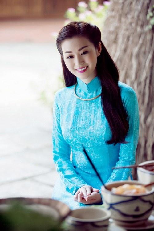 khanh my duyen dang ao dai duoi nang xuan - 6