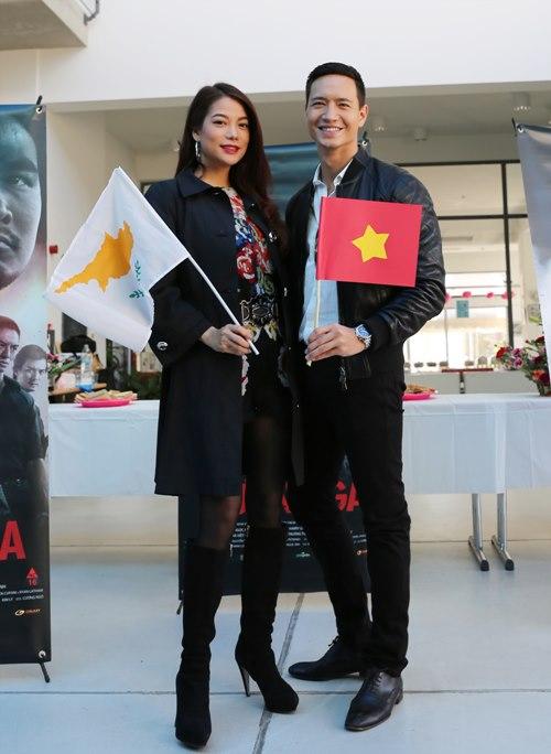 Trương Ngọc Ánh - Kim Lý nắm tay lãng mạn tại đảo Síp-5