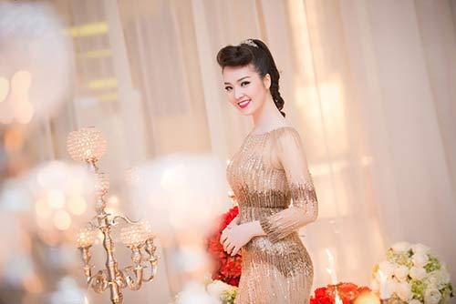 Thụy Vân, Dương Tú Anh xinh đẹp như công chúa-1