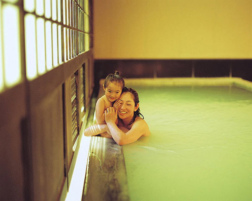 Bé Nhật bị bệnh hiểm nghèo đẹp như thiên thần-2