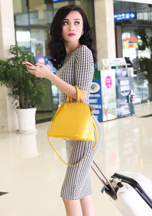 Cao Thùy Linh xinh đẹp ngỡ ngàng tại sân bay-4