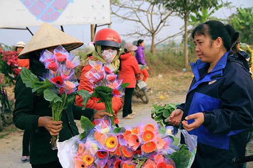 Ngắm phiên chợ độc đáo ở làng hoa Tây Tựu-5