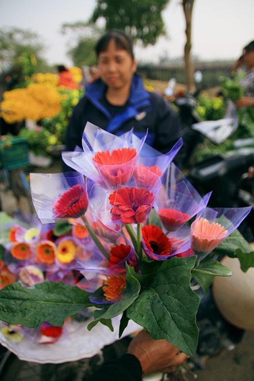 Ngắm phiên chợ độc đáo ở làng hoa Tây Tựu-8