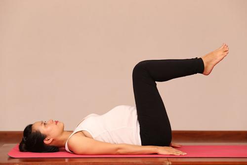 me bau dang dep nho cham tap yoga cung chong - 8