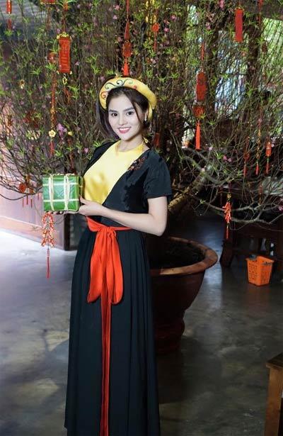 Thu Minh bụng bầu 5 tháng bán bánh khoai vỉa hè-8