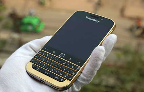 xuat hien phien ban blackberry classic ma vang tai viet nam - 1