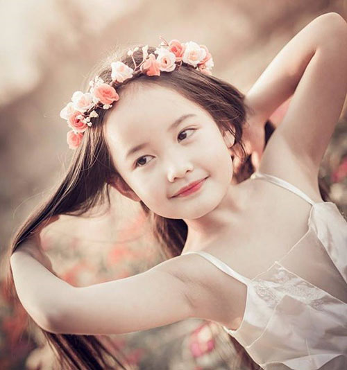 ve dep cua co be ha noi 6 tuoi giong angela phuong trinh - 1