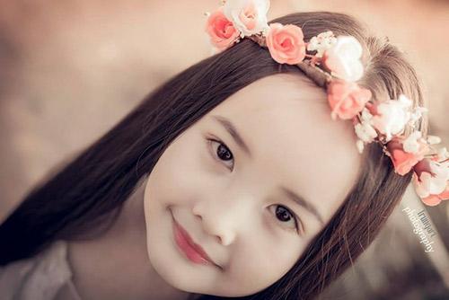 ve dep cua co be ha noi 6 tuoi giong angela phuong trinh - 3
