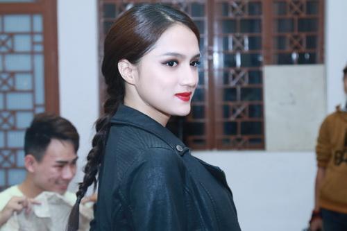 "angela phuong trinh khoe ""bung bau"" dau kho van dep - 9"
