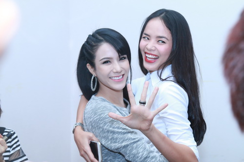 "angela phuong trinh khoe ""bung bau"" dau kho van dep - 12"