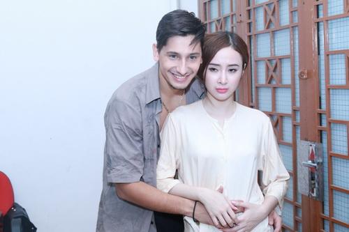 "angela phuong trinh khoe ""bung bau"" dau kho van dep - 5"