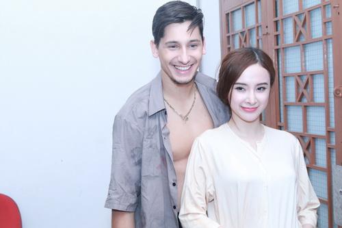 "angela phuong trinh khoe ""bung bau"" dau kho van dep - 4"