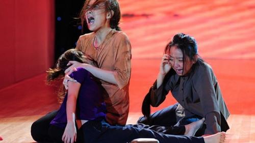 "angela phuong trinh khoe ""bung bau"" dau kho van dep - 8"