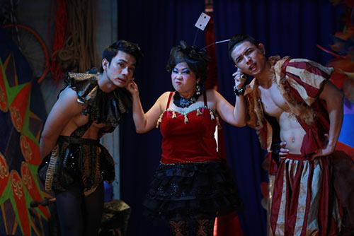 "vai dien cua phi phung ""ap dao"" ngo thanh van - 6"