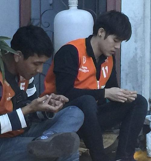 """chang xe om thai lan """"hop hon"""" phai nu vi qua dien trai - 2"""
