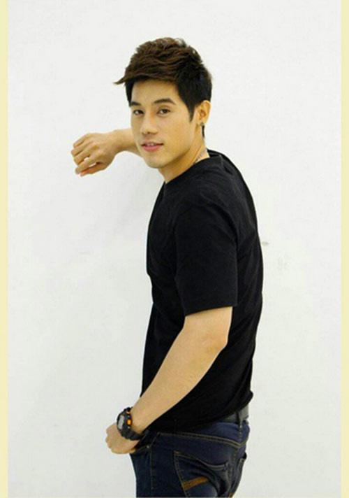 """chang xe om thai lan """"hop hon"""" phai nu vi qua dien trai - 3"""