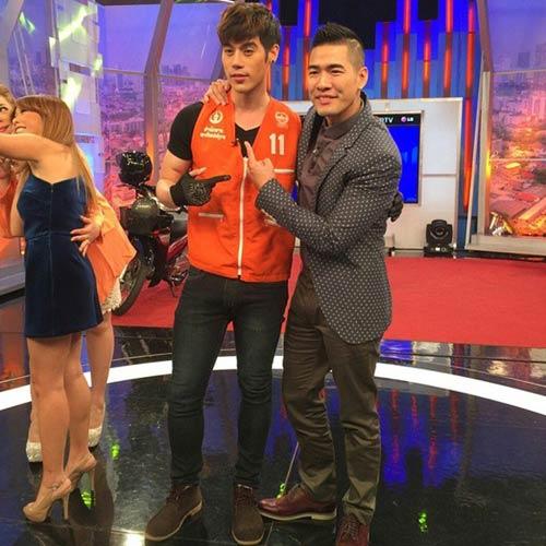 """chang xe om thai lan """"hop hon"""" phai nu vi qua dien trai - 4"""