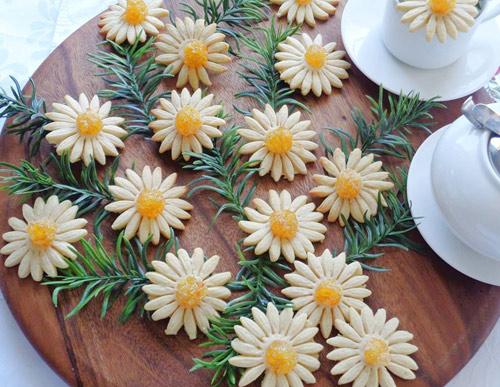 banh quy hinh hoa cuc chao don xuan - 9