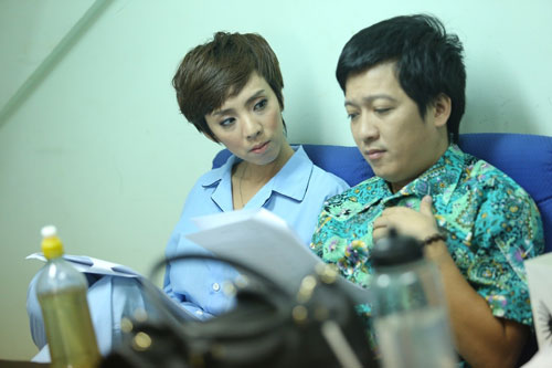 """mc thanh mai eo thon, nguc day """"kho cuong"""" tuoi 40 - 17"""
