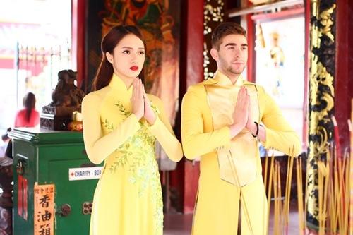 """huong giang idol goi cam hon ca """"gai xin"""" voi ao dai - 8"""