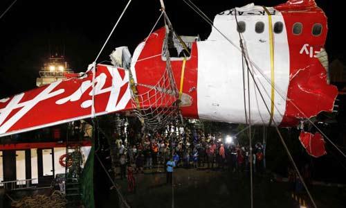vi sao co truong qz8501 bo ghe lai truoc khi may bay roi? - 3