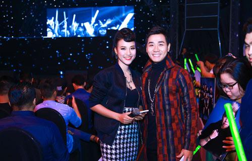 "mc nguyen khang len tieng khi bi ""nem da"" o the remix - 1"