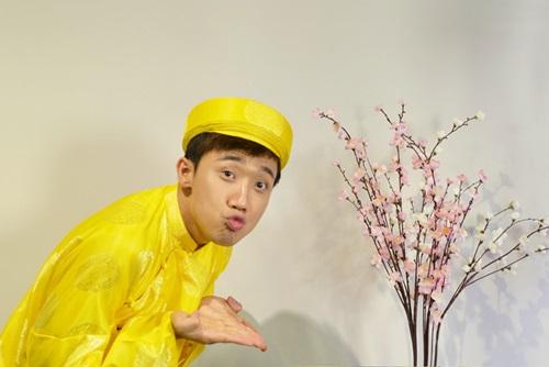 tran thanh dien ao dai tet nghich ngom ben hari won - 7