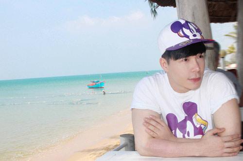 nathan lee tan huong ky nghi o resort trieu do - 2