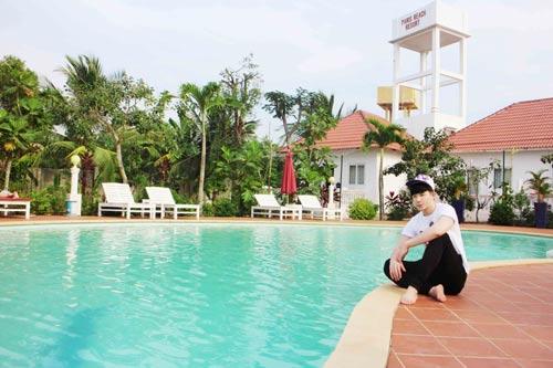 nathan lee tan huong ky nghi o resort trieu do - 6