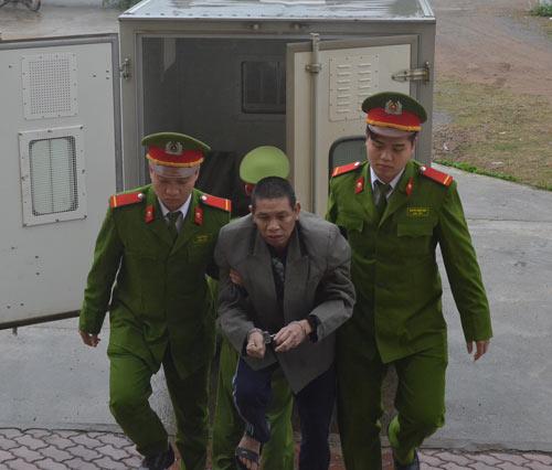 hoa binh: 7 nam tu giam cho ke chem chet bo de - 1