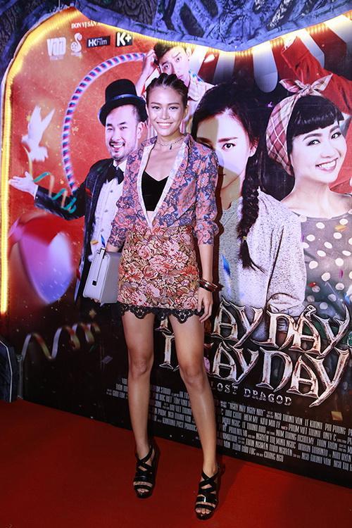"""fan choang vang vi toc tien """"mac nhu khong"""" - 16"""
