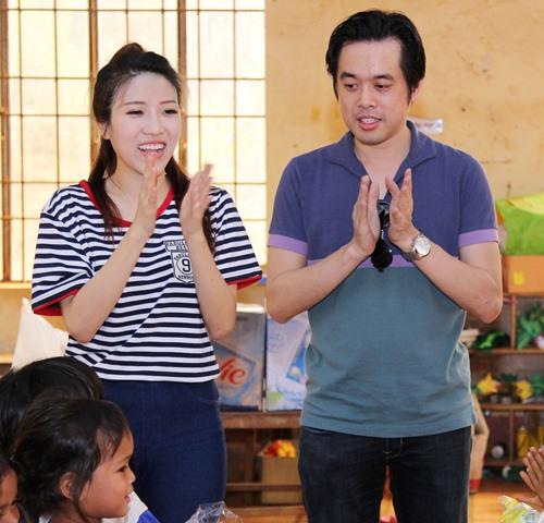 trang phap va nguoi yeu ung ho dong bao kho khan don tet - 1
