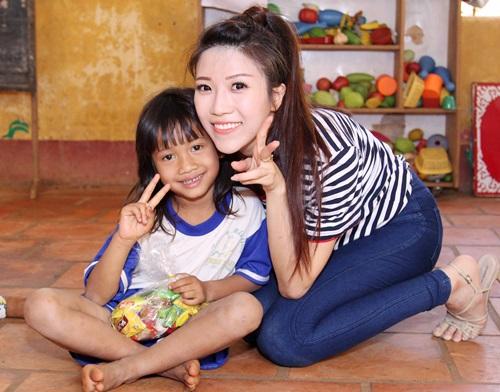trang phap va nguoi yeu ung ho dong bao kho khan don tet - 3