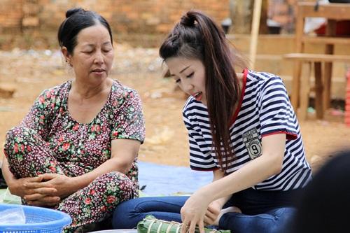 trang phap va nguoi yeu ung ho dong bao kho khan don tet - 5