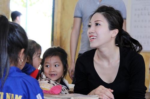 trang phap va nguoi yeu ung ho dong bao kho khan don tet - 7