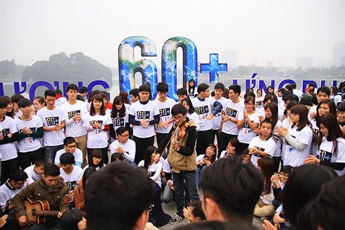 """nghin nguoi tham gia huong ung """"gio trai dat"""" - 1"""