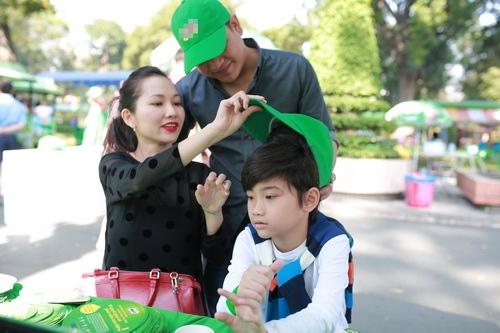 kim hien hanh phuc khoe bung bau 3 thang ben chong con - 14