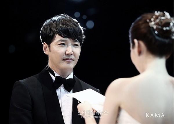 dan sao khung toi chuc mung dam cuoi yoon sang hyun - 9