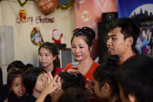 """thuy nga, quang ha ra san pham vuot """"song gio"""" - 2"""