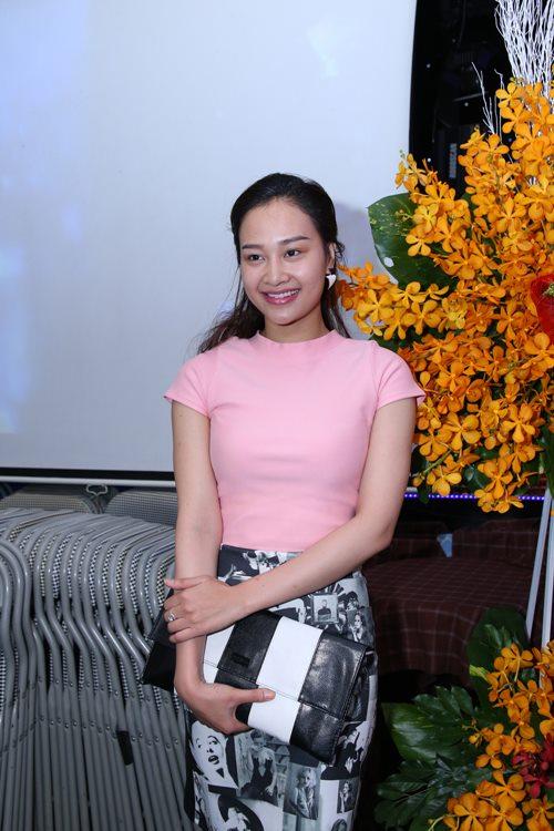 huong giang idol lam dien vien trong mv cua mr. dam - 11