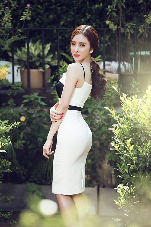 angela phuong trinh sexy kho cuong voi vay xuyen thau - 10