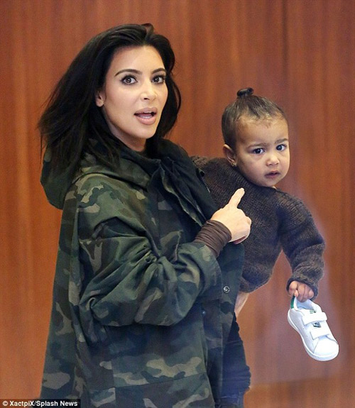 kim kardashian bi chi trich vi de nori khoc giua show dien - 5