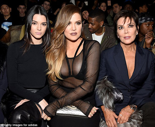 kim kardashian bi chi trich vi de nori khoc giua show dien - 8