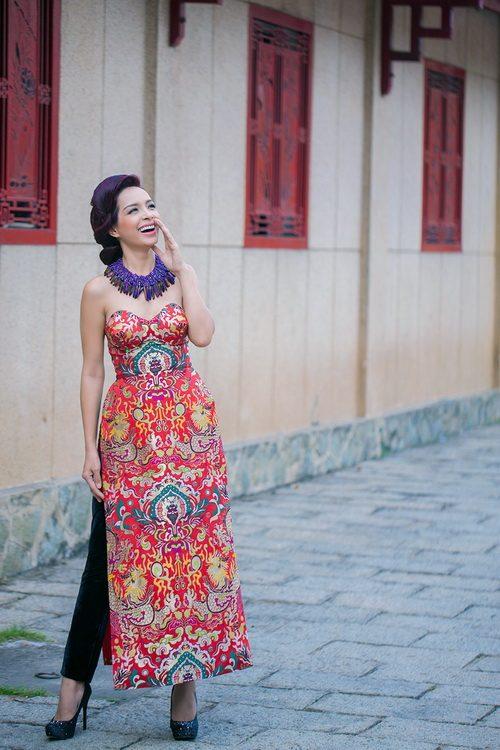 """thuy hanh mac ao yem """"noi loan"""" duoi nang xuan - 10"""