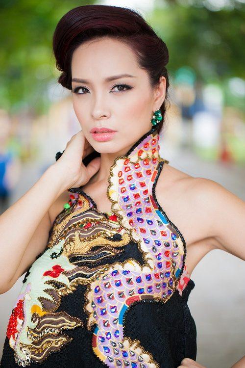 """thuy hanh mac ao yem """"noi loan"""" duoi nang xuan - 6"""