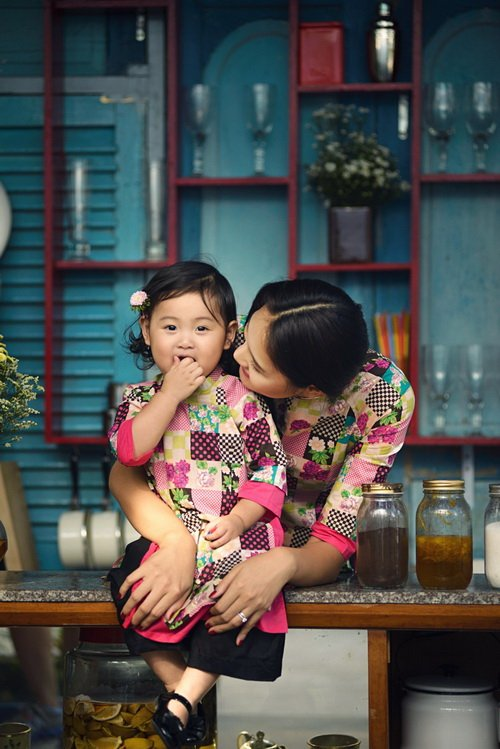 """ghen ti"" ngam con gai hh huong giang hon me - 7"