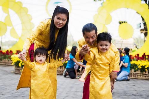 "gia dinh hung cuu long hanh phuc giua ""bao ly hon"" - 5"